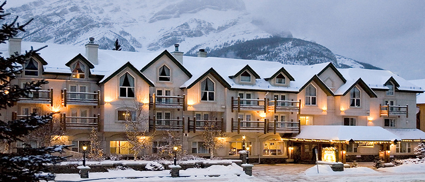 1.-Winter-Exterior Rundlestone Lodge.jpg